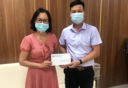 Liên đoàn Lao động quận Đồ Sơn thăm và tặng quà cho CNVCLĐ là con gia đình liệt sỹ, thương bệnh binh