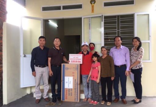 Công đoàn ngành Công thương bàn giao kinh phí hỗ trợ xây dựng Nhà Mái ấm Công đoàn