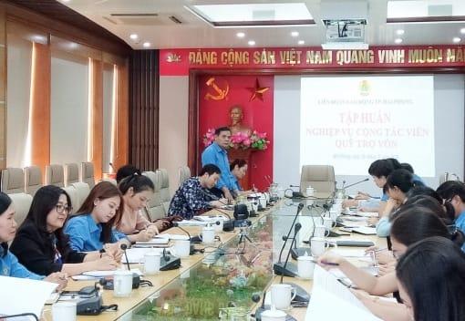 Quỹ trợ vốn CNVCLĐ nghèo tổ chức tập huấn nghiệp vụ cho các cộng tác viên