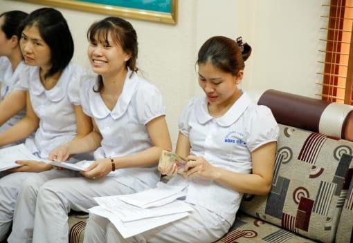 CNVCLĐ quận Hải An được giải ngân vay vốn từ Quỹ trợ vốn CNVCLĐ nghèo LĐLĐ thành phố