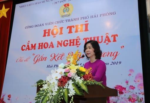 Công đoàn Viên chức thành phố tổ chức hội thi cắm hoa nghệ thuật
