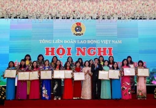 Tổng LĐLĐVN tổ chức Hội nghị biểu dương cán bộ nữ công công đoàn tiêu biểu toàn quốc lần thứ 2 năm 2019