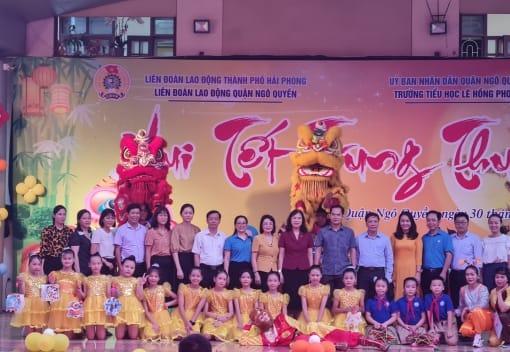 Liên đoàn Lao động Quận Ngô Quyền tổ chức Vui Tết Trung thu, tặng quà cho con công nhân, viên chức, lao động