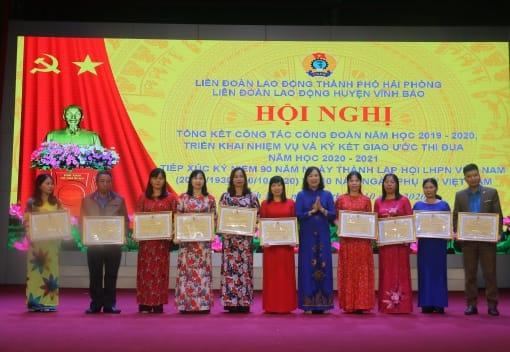 Liên đoàn Lao động huyện Vĩnh Bảo tổng kết công tác Công đoàn học 2019- 2020; Ttriển khai nhiệm vụ và Ký kết giao ước thi đua năm học 2020-2021