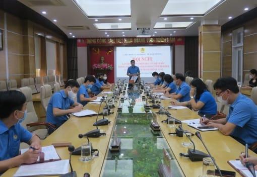 Liên đoàn Lao động thành phố hỗ trợ CNVCLĐ thành phố Đà Nẵng và tỉnh Quảng Nam 400 triệu đồng