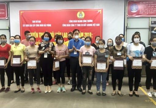 Tuyên truyền Bộ luật Lao động năm 2019 và Luật Bầu cử đại biểu Quốc hội và đại biểu Hội đồng nhân dân các cấp tại Công ty TNHH CN giầy Aurora Việt Nam