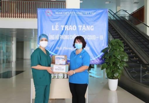 Công đoàn Khu kinh tế Hải Phòng động viên cán bộ, bác sĩ nhân viên y tế Bệnh viện Việt Tiệp cơ sở 2