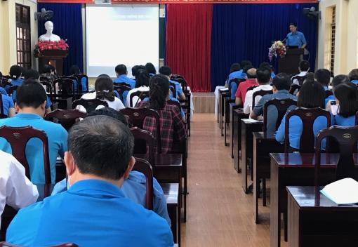 Liên đoàn Lao động thành phố tổ chức tập huấn về thực hiện Quy chế dân chủ ở cơ sở tại nơi làm việc