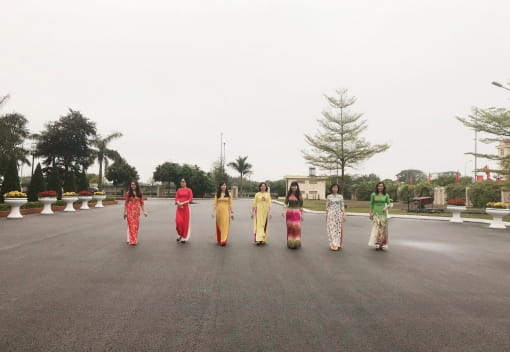 Nữ CNVCLĐ quận Dương Kinh hưởng ứng