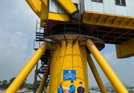 Liên đoàn Lao động huyện An Dương tổ chức gắn biển công trình tiêu biểu