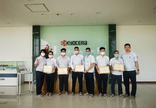 Khen thưởng đoàn viên, người lao động có thành tích xuất sắc trong công tác phòng chống dịch bệnh COVID-19 tại nơi cư trú