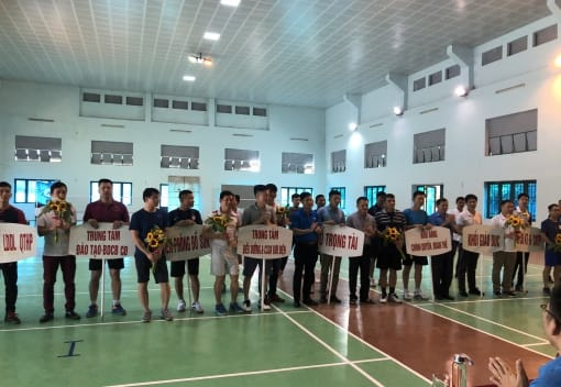 Liên đoàn Lao động quận Đồ Sơn phối hợp với Cụm VHTT-CNLĐ-LLVT quận tổ chức Giải thi đấu cầu lông trong CNVCLĐ năm 2021