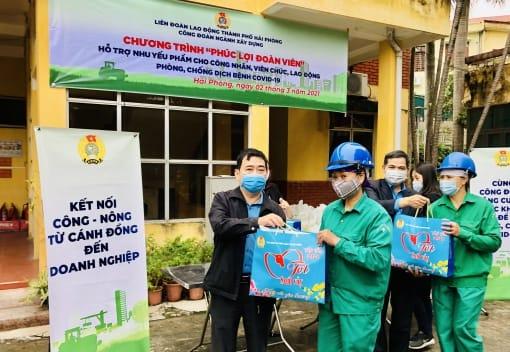 Công đoàn ngành Xây dựng Hải Phòng tặng 1000 suất quà  cho CNVCLĐ phòng, chống dịch bệnh Covid-19