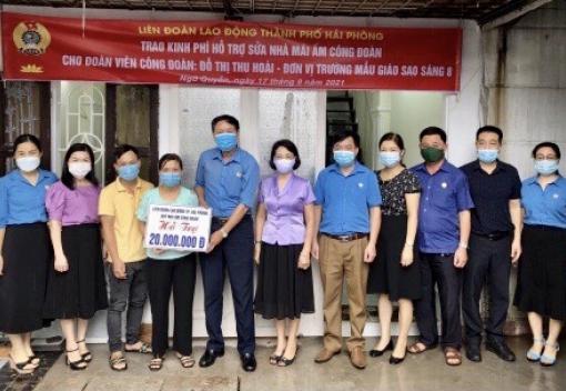 Liên đoàn Lao động quận Ngô Quyền tổ chức trao kinh phí hỗ trợ sửa nhà Mái ấm công đoàn cho CNVCLĐ