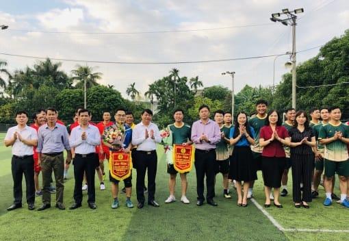 Liên đoàn Lao động quận Kiến An tổ chức giao hữu bóng đá chào mừng Đại hội đại biểu Đảng bộ thành phố lần thứ XVI nhiệm kỳ 2020-2025