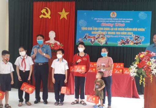 Liên đoàn Lao động huyện Tiên Lãng tổ chức Chương trình tặng quà Tết Trung thu cho con đoàn viên, CNVCLĐ