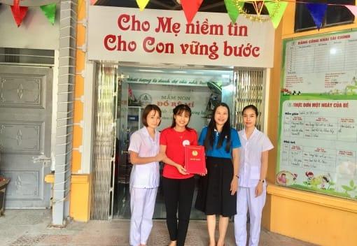 Liên đoàn Lao động quận Kiến An công bố Quyết định kết nạp đoàn viên và thành lập CĐCS Nhóm trẻ lớp mẫu giáo độc lập Đồ rê mí