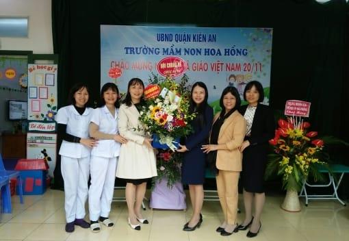 Liên đoàn Lao động quận Kiến An tổ chức thăm và chúc mừng một số đơn vị trường học trên địa bàn quận nhân ngày Nhà giáo Việt Nam 20 - 11