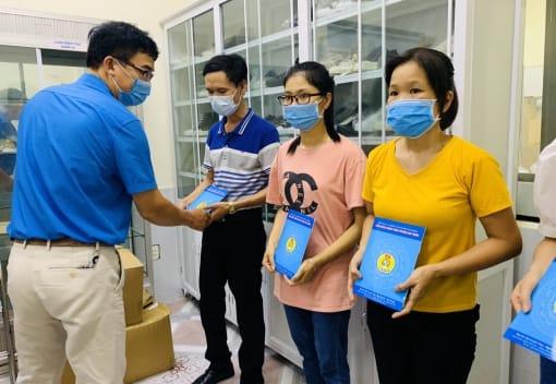 Công đoàn ngành Công Thương tăng cường công tác phòng chống dịch, kịp thời hỗ trợ CNLĐ bị ảnh hưởng bởi dịch bệnh Covid-19