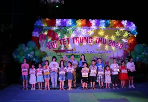 Công đoàn Viên chức thành phố tổ chức vui Tết Trung thu năm 2020